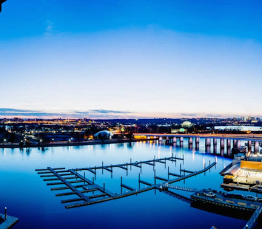 Brand-new-DC-apartments-channel-at-the-wharf
